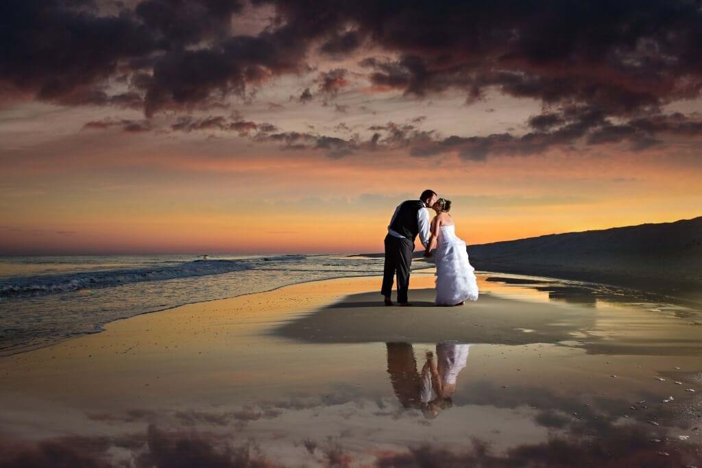 wedding-photography-perdido-beach-resort-the-kiss-216043_0676TTT-2